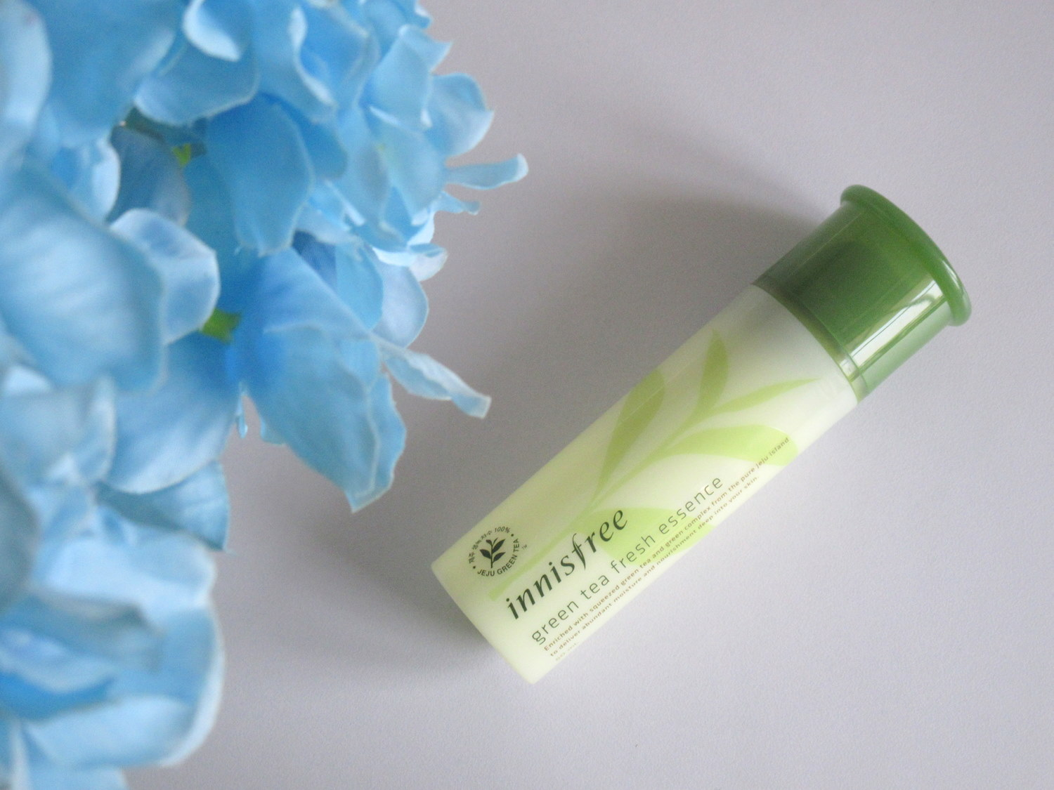 Innisfree Green Tea Fresh Essence