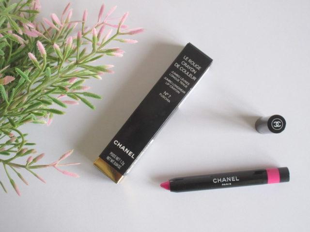 Chanel Le Rouge Crayon De Couleur Jumbo Longwear Lip Crayon in 'No. 7 Fuchsia'.