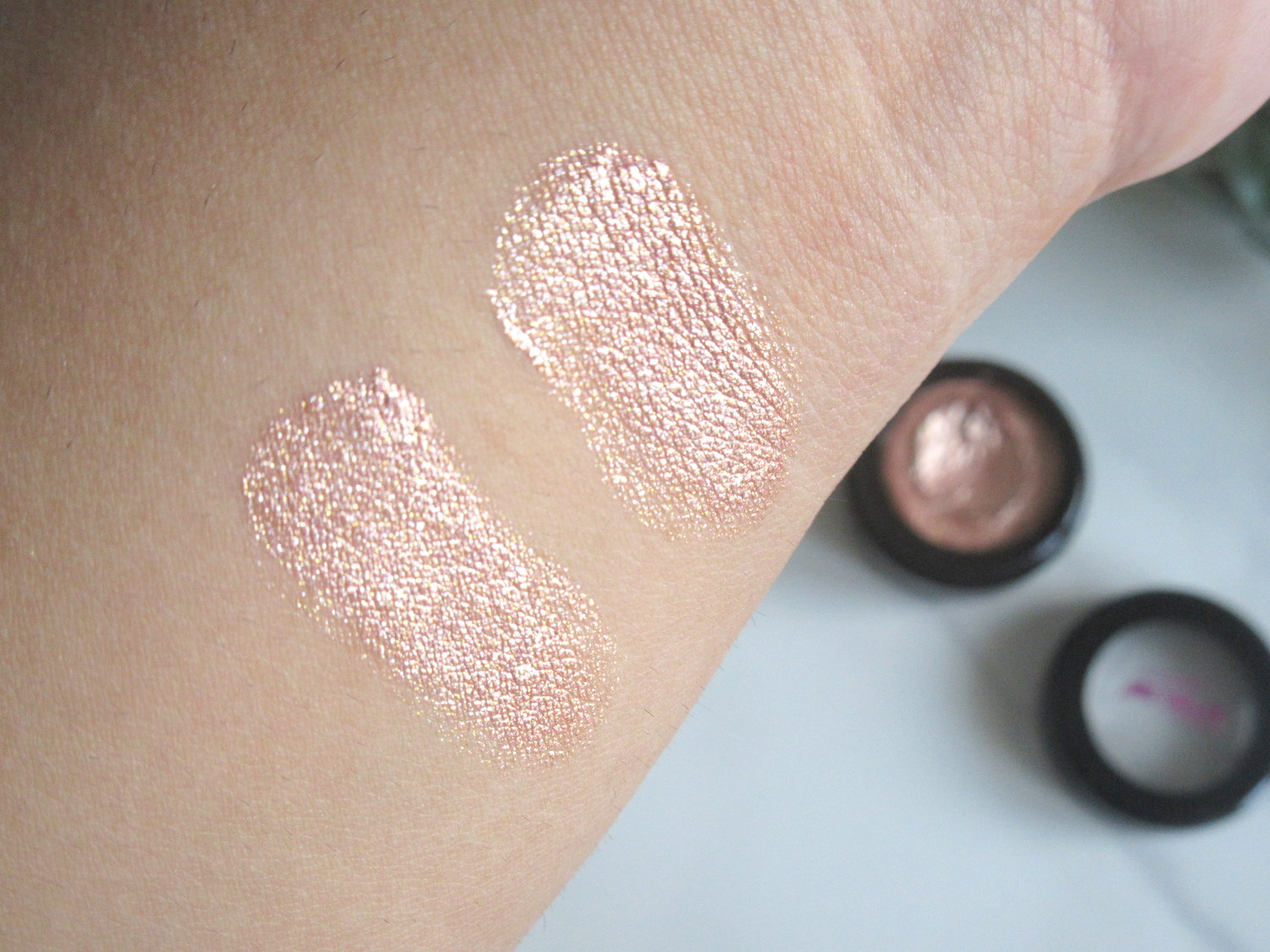 Australis Metallix Cream Eyeshadow in Gold Gaga