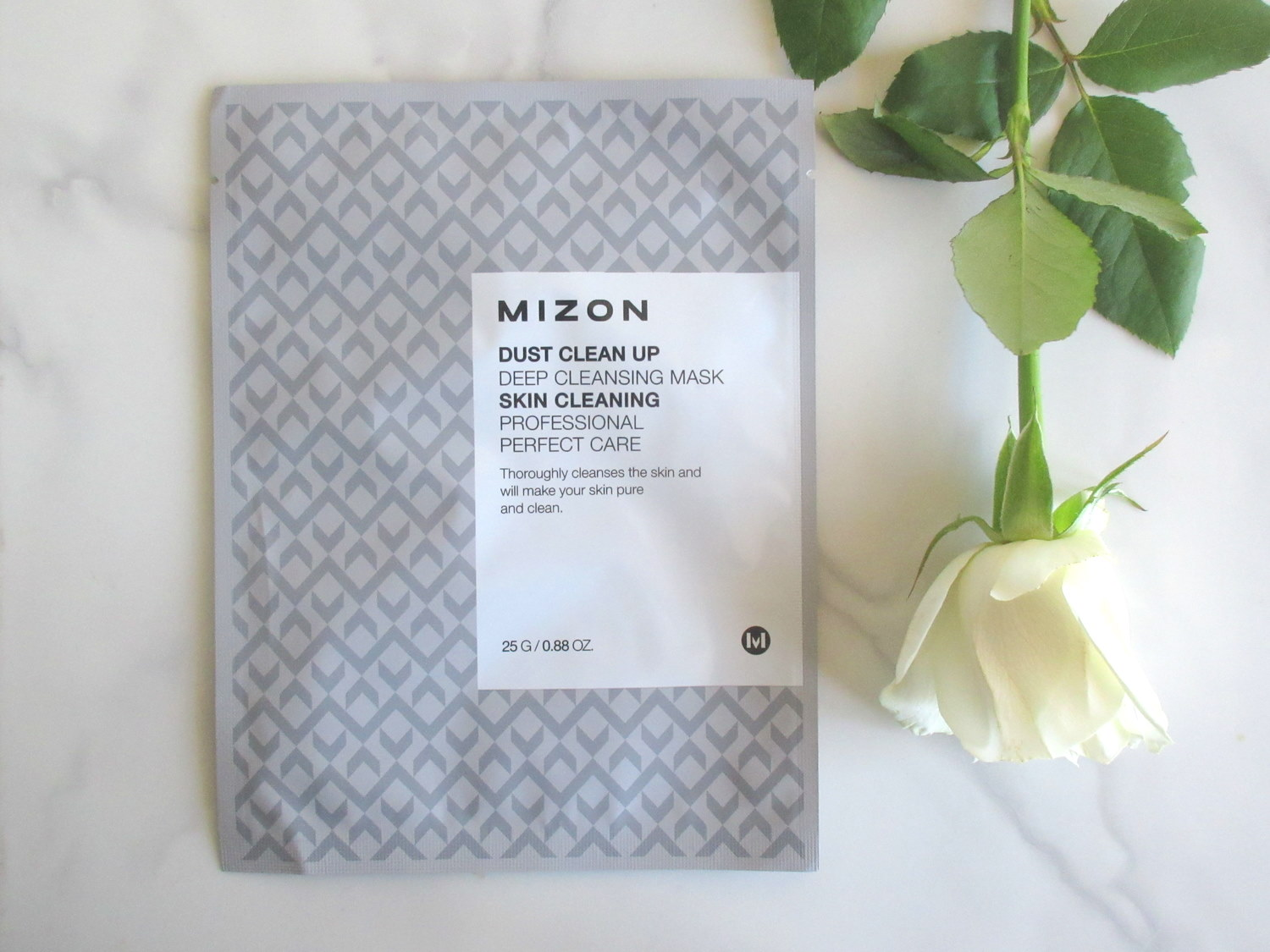 Mizon Dust Clean Up Deep Cleansing Mask