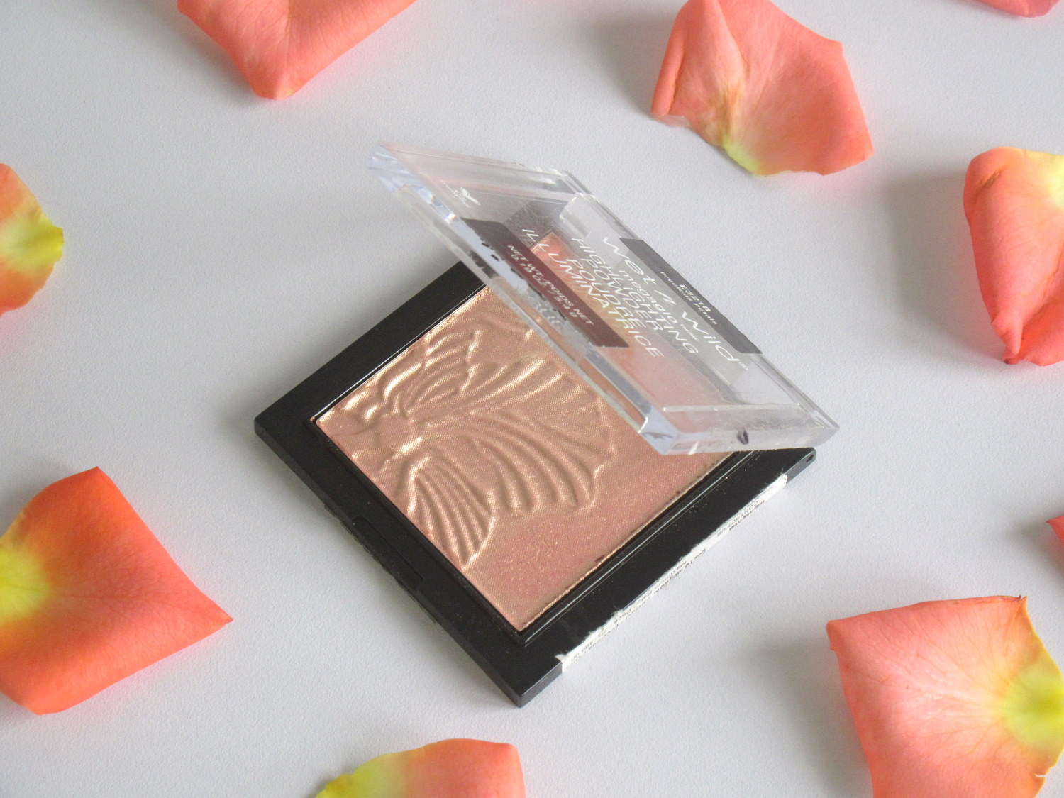 Wet n Wild MegaGlo Highlighting Powder Precious Petals, wet n wild precious petals